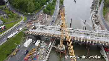 """Werken aan cruciale brug in Merelbeke zitten op schema: """"Misschien zijn ze zelfs vroeger klaar"""" - Het Nieuwsblad"""
