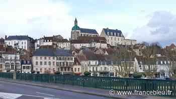 Joigny : 2000 ordinateurs donnés à la ville par la Caisse des Dépôts - France Bleu
