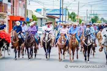 Con cabalgata cierra Aidé López de Anda su campaña en Las Varas - voz en red