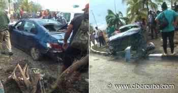 Un Peugeot impacta contra una rotonda en Santa Clara con un cargamento de arroz en su interior - CiberCuba