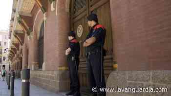 JxCat amaga con demandar al Palau por vincularlo a CDC al reclamarle la multa - La Vanguardia