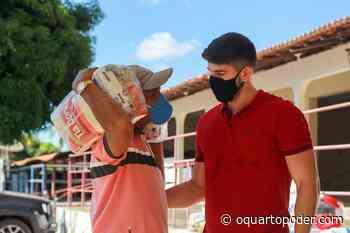 Secretário de Administração de Bacabal entrega cestas básicas… - O Quarto Poder