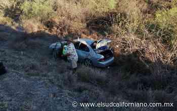 Vehículo vuela y cae a un barranco en San Bartolo - El Sudcaliforniano