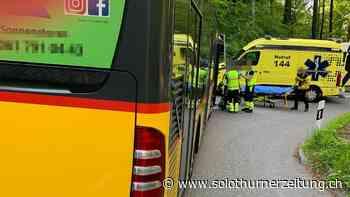 Dornach - Motorradlenker prallt in Kurve in ein Postauto und verletzt sich - Solothurner Zeitung