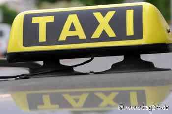 Taxifahrer stirbt bei Unfall, Fahrgast schwer verletzt - TAG24