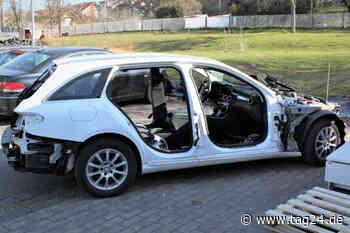 Heilbad Heiligenstadt: Täter schrauben halben Mercedes auseinander - Polizei sucht Zeugen - TAG24