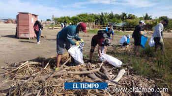 Playas de Puerto Colombia vuelven a ser basurero del río Magdalena - El Tiempo