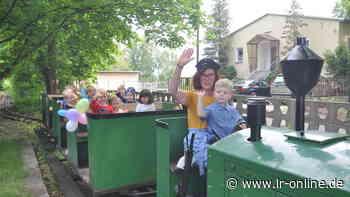 Überraschungen zum Kindertag: Premierenfahrt mit der Waldeisenbahn in Bad Liebenwerda - Lausitzer Rundschau