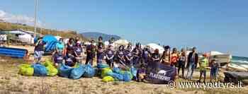 Rifiuti raccolti in spiaggia, si parte da Porto Recanati - Youtvrs