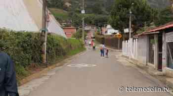 Comunidad de Pueblo Viejo ya cuenta con una red de alcantarillado y acueducto - Telemedellín