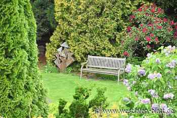 Offenes Gartentor bei der Familie Pönnighaus in Vlotho: Ein kleines Paradies - Kreis Herford - Westfalen-Blatt