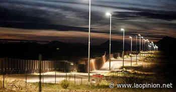 ¡No te vayas! Niño abandonado en la frontera México-Estados Unidos grita desesperadamente - La Opinión