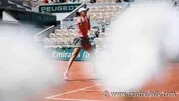 Le grand retour: Federer wins return to Paris, Slam action - Centre Daily Times