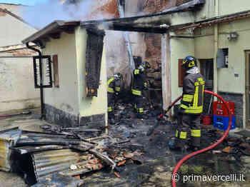 Garage in fiamme a Trino - Prima Vercelli