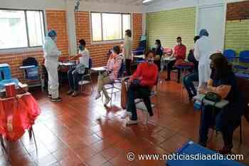 En Cogua llegaron menos vacunas de las que tenían previstas para la inmunización de docentes - Noticias Día a Día