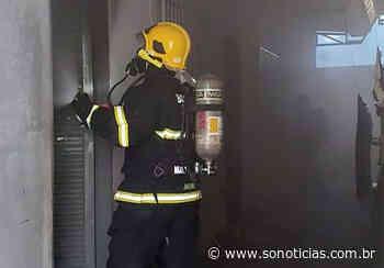 Bombeiros combatem incêndio em complexo de quitinetes em Lucas do Rio Verde - Só Notícias