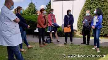En visite au centre de vaccinations de Beuvry, la sous-préfète entre remerciements et prudence - La Voix du Nord