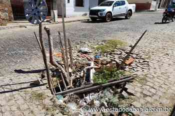 Municípios Brumado: buraco com esgoto estourado provoca transtornos e protestos dos moradores - Rahiana