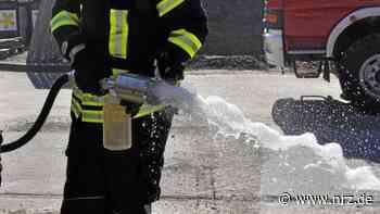 Bedburg-Hau: Feuerwehr sprühte Schaumteppich - NRZ