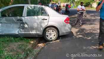 Un lesionado deja accidente entre un bus y vehículo particular en Cojutepeque - Diario El Mundo