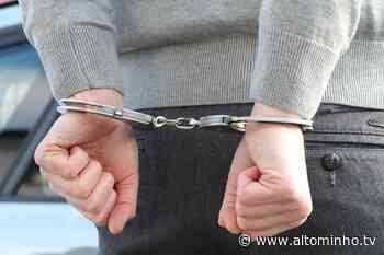 Homem detido em Viana do Castelo por posse ilegal de arma - Altominho TV