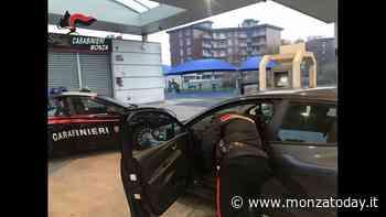 Arrestata dopo inseguimento, donna cerca di nascondere eroina nell'auto dei carabinieri - MonzaToday