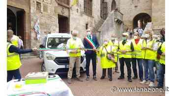 San Gimignano, taglio del nastro del nuovo automezzo Auser per il trasporto anziani - LA NAZIONE