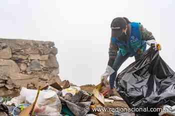 MML recolectó residuos en campaña de limpieza en Las Lomas de Villa María - Radio Nacional del Perú