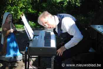 Bomen 'plagen' pianist Bart Vandermeulen 'op natuurlijke wijze' tijdens openluchtconcert