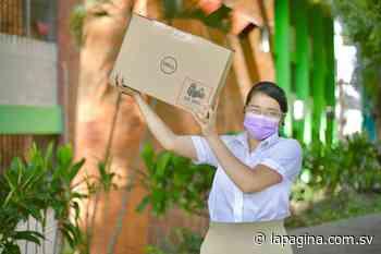 Gobierno entrega computadoras a los alumnos del Instituto Nacional de Antiguo Cuscatlán - Diario La Página