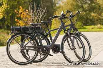 Oplichter overslaapt zich op dag van de slag: duo riskeert celstraf voor gesjoemel met elektrische fietsen