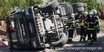 Lkw in Holzwickede umgekippt – Fahrer (63) muss ins Krankenhaus - Hellweger Anzeiger