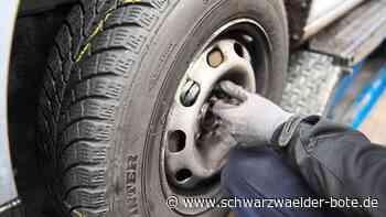 Vorfall in Sulz - Unbekannter löst Radschrauben an parkendem Auto - Schwarzwälder Bote