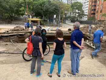 """Los vecinos de Santa Sofía resignados: """"(lo de la tubería) va para rato"""" - http://venezuelaunida.com/"""