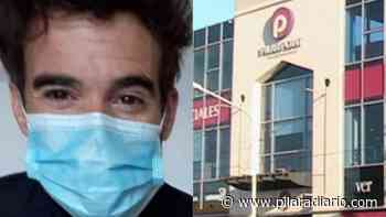 Nico Cabré paga sus cuentas en el centro de Pilar - Pilar a Diario