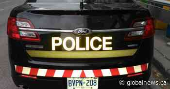 Driver strikes 3 parked cars at Alliston, Ont. hospital - Global News