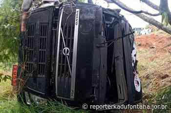 Mais uma carreta com produto químico tomba na BR-116 em Leopoldina. - reporterkadufontana.jor.br - Reporter Kadu Fontana