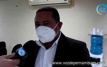Gaspar da Ambulância solicita que Prefeitura de Carpina instale tendas e cadeiras na fila da Caixa Econômica Federal - Voz de Pernambuco