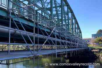 New pedestrian corridor across Courtenay bridge coming soon - Comox Valley Record