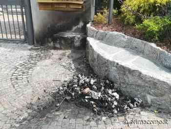 Vandalismo a Grandate: incendiati i sacchi neri fuori della scuola media - Prima Como