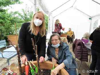 Dampmart : mères et filles réunies pour un jardinage à 4 mains à l'Ehpad - actu.fr