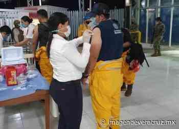 Llega vacunación a plataformeros del área marítima de Ciudad del Carmen - Imagen de Veracruz