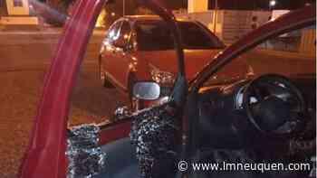 Cutral Co: atacaron una ambulancia y autos del personal de salud - LM Neuquén