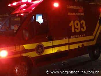 Adolescentes batem moto em carro no bairro Vila do Pontal e não aguardam chegada da PM - Varginha Online
