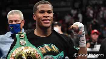 Devin Haney beats Jorge Linares despite scare to defend WBC lightweight title - BBC News