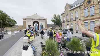 """""""Bravo voor de velo"""": fietsers krijgen hartelijk applaus bij Menenpoort"""