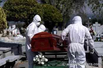 El coronavirus golpea fuerte a Tarapacá: El 41,74% del total de sus muertes registradas en 2021 fueron atribuidas al Covid-19 - La Tercera