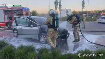 Auto brandt uit in Hoeselt - TV Limburg