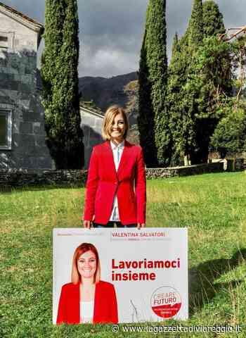 'Creare Futuro' in piazza a Querceta con il candidato sindaco Valentina Salvatori - lagazzettadiviareggio.it