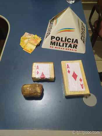 Homem é preso transportando cocaína de Francisco Sá para Montes Claros em motocicleta - G1